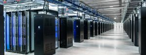 10 000 m2 de serveurs dans un data center de l'Iowa. (crédit photo : Google)